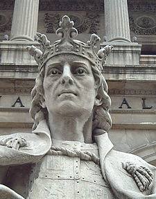 Estatua de Alfonso X, El Sabio, frente a la Biblioteca Nacional, en Madrid. Foto de José Alcoverro