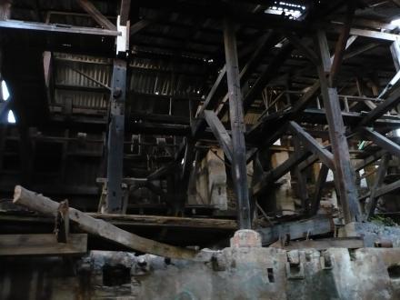 Interior_da_fábrica_piso_de_baixo